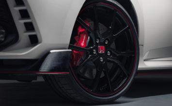La Honda Civic Type R arrive… avec 306 chevaux!