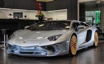 Voici la toute dernière Lamborghini Aventador SV à quitter la ligne
