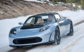 Les origines de Tesla: un petit roadster provenant de chez Lotus!