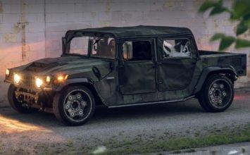 Un Hummer H1 restauré, abaissé…et prêt à tout casser