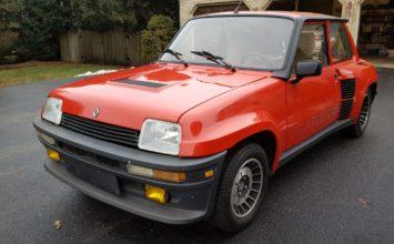 Une Renault 5 Turbo 2 1984 avec seulement 4181 kilomètres à l'odomètre
