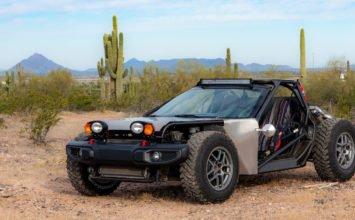 Une Corvette C5 convertie en Dune Buggy